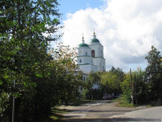 Святодухосошествиевская церковь долгие годы стояла в строительных лесах. Теперь она обновлена.