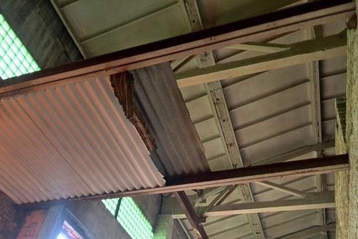 ВКыштыме работник абразивного завода упал свысоты