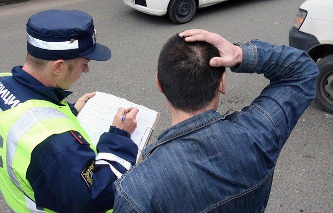 ВСмоленской области судебные приставы вместе сГосавтоинспекцией ищут должников