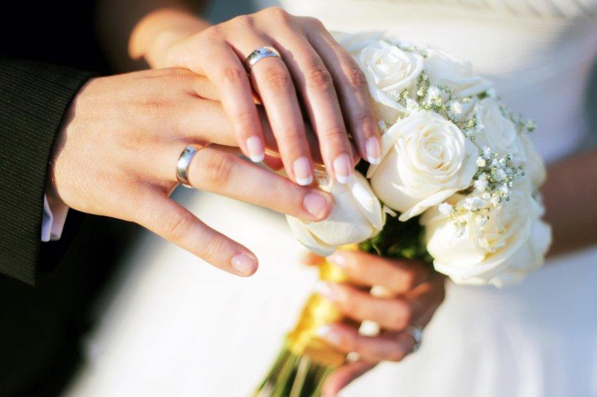В Кыштыме резко снизилось количество браков