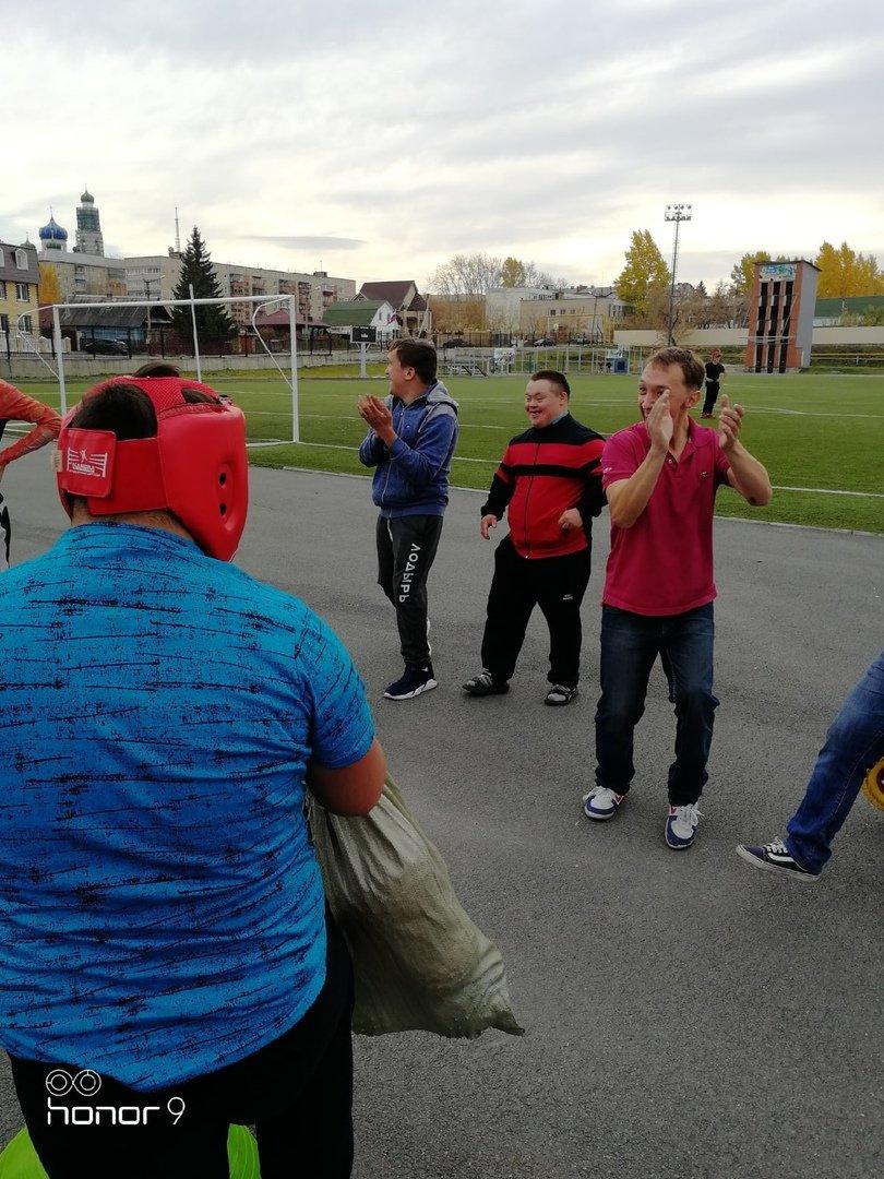 Спортсмены из Кыштыма провели совместные игры с участниками городской организации «Надежда»