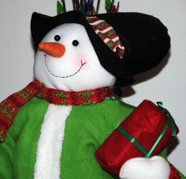 «Снеговики-добряки» принесут подарки юным героям