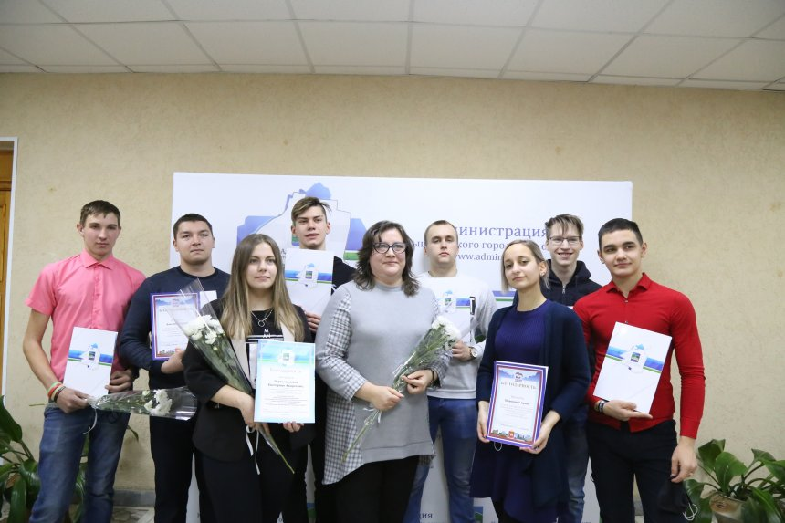 В Кыштыме добровольцев поздравили с «профессиональным» праздником