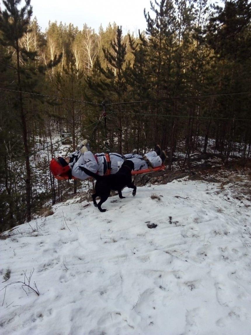 Кыштымские спасатели вели поиски пострадавшего в горно-таёжной местности