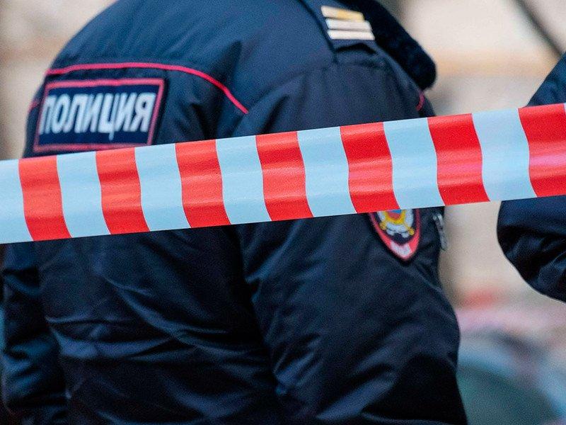 В Кыштыме подозрительный свёрток, перемотанный скотчем, вызвал переполох в одном из учебных заведений города