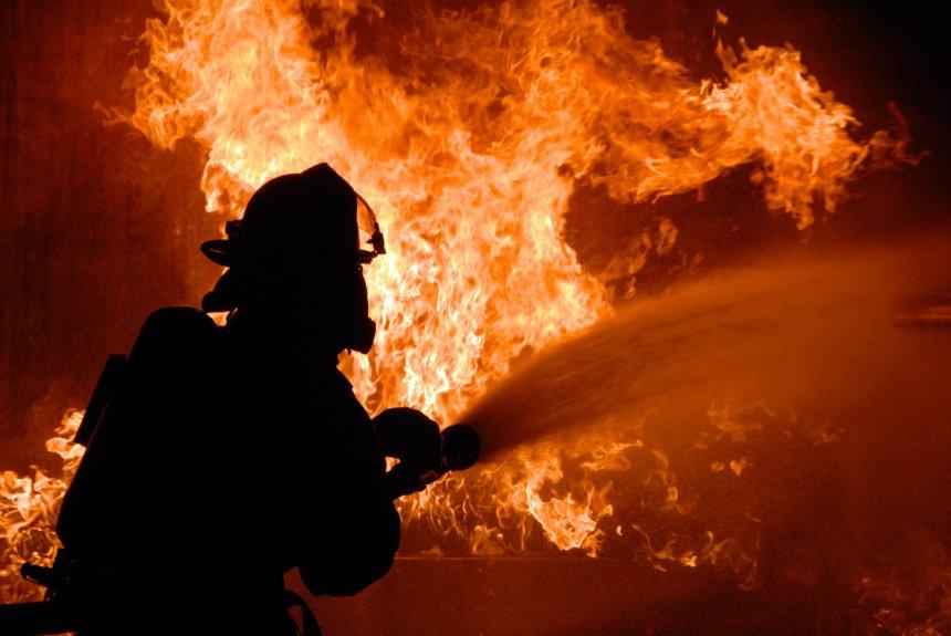 В Кыштыме последние дни уходящего года выдались горячими для пожарных