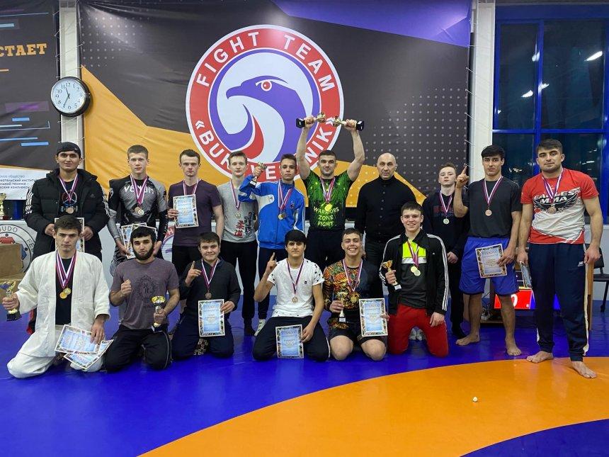 Кыштымские борцы стали лучшими на открытом чемпионате по грэпплингу