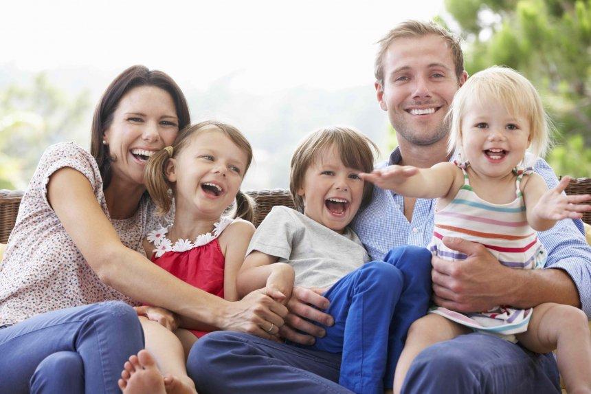Губернатор Алексей Текслер выступил с инициативой о расширении статуса многодетной семьи в регионе