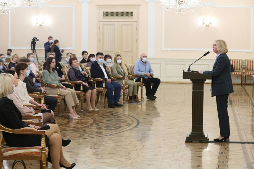 Кыштымские медики отмечены премией губернатора за вклад в борьбу с коронавирусом