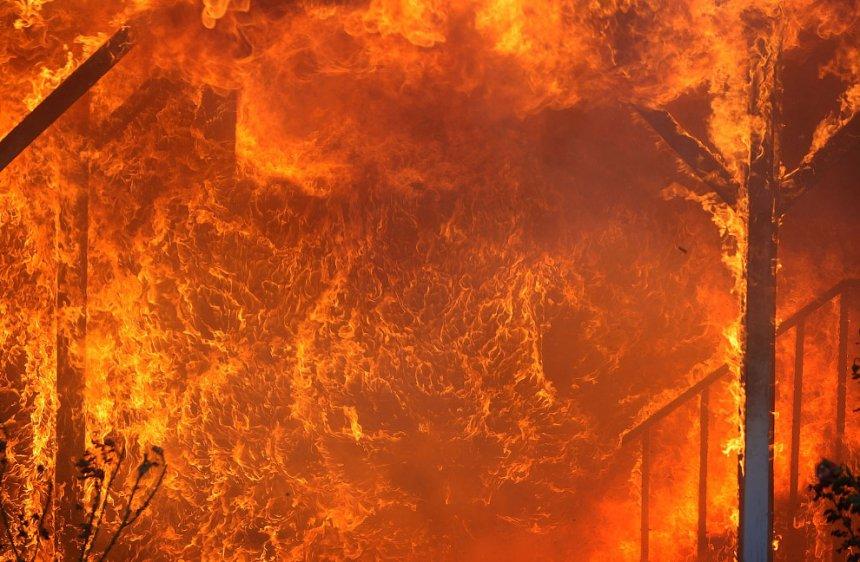 В Кыштыме во время пожара погибла пожилая женщина, ещё трое находятся в больнице