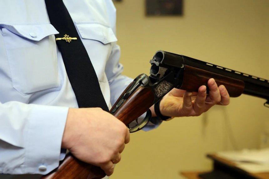 Жителям Кыштыма предлагают заработать на незаконно хранящемся у них оружии