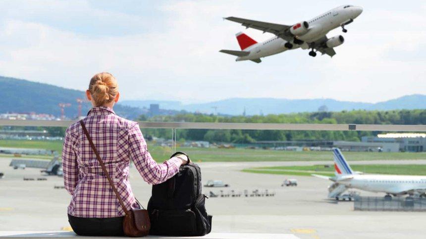 Жительница Кыштыма хотела приобрести авиабилеты, но попалась на уловки мошенников