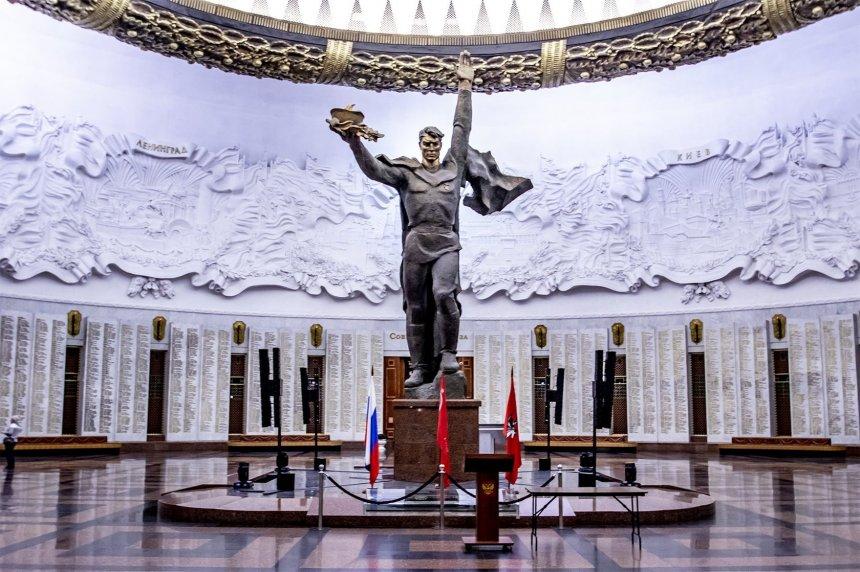 Работы юных художников Челябинской области о Героях войны вошли в виртуальную выставку на сайте московского Музея Победы