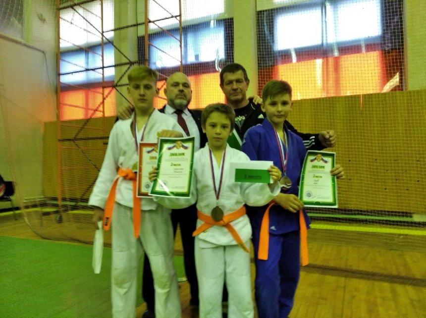 Кыштымские дзюдоисты вернулись с турнира с медалями