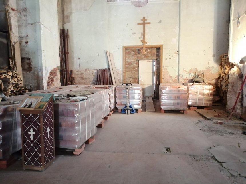 В Кыштыме ведутся подготовительные работы по восстановлению центрального купола Свято-Троицкой церкви